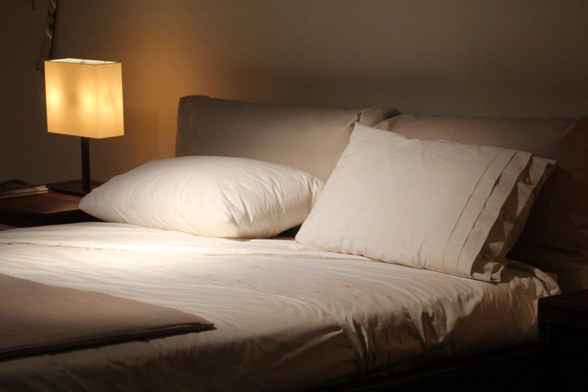 枕とベッド