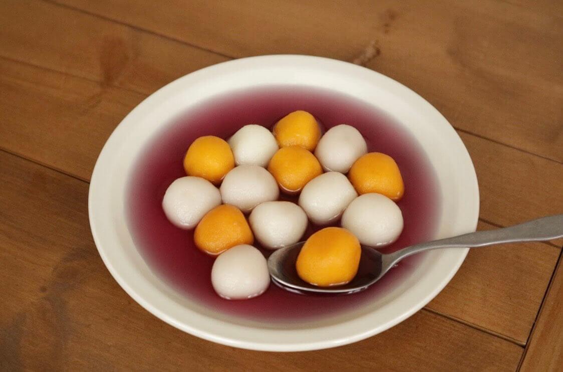 お茶シロップで食べるかぼちゃ白玉